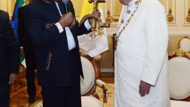 Bolívia criminaliza conversões religiosas